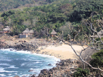 Los Chonchos Beach Overview