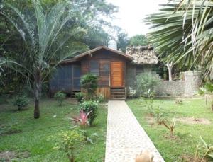 Macaw Bank Jungle Lodge-Belize