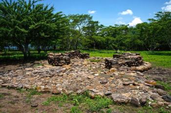 El Salvador eco lodges-tours-ruins of Cihuatan